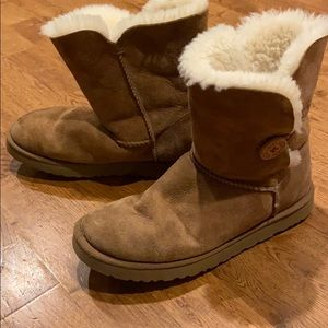 UGG Bailey button boots size 10
